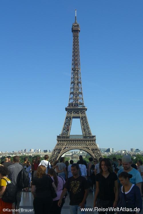 Alle Welt am Eiffelturm