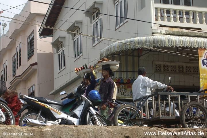Birmesische Verkaeuferinnen