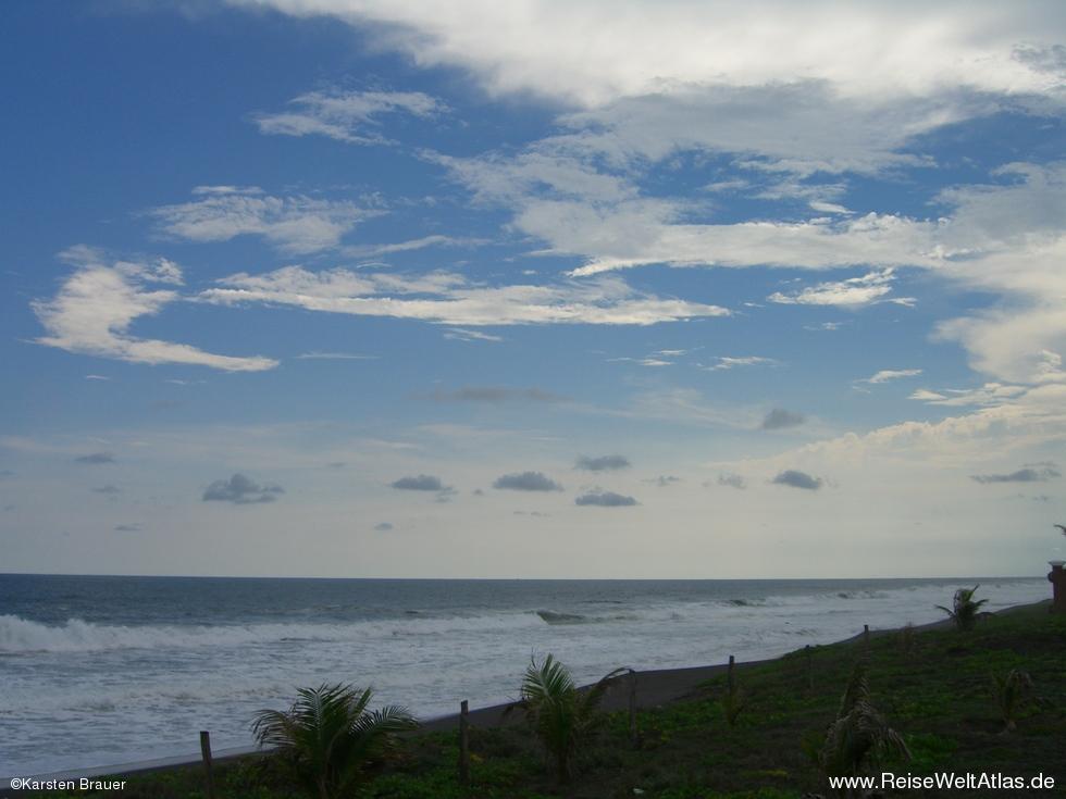 Blauer himmel ohne sonne