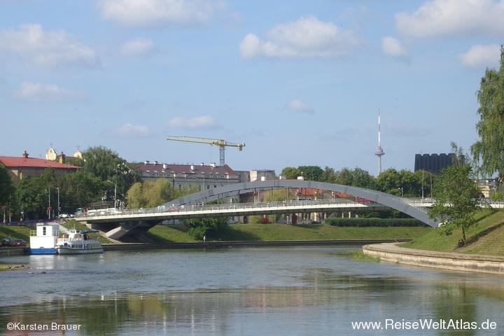 Brücke und Fernsehturm