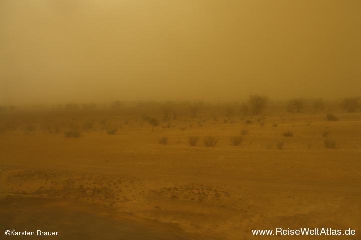 Desert & Sandstorm