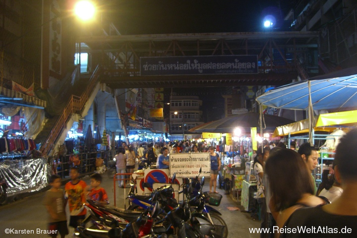 Ping Night Market