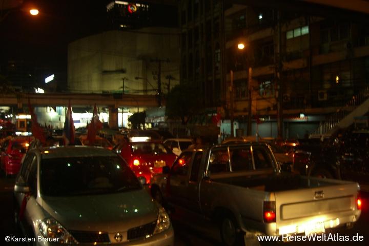 Rote Parkplatzblockade