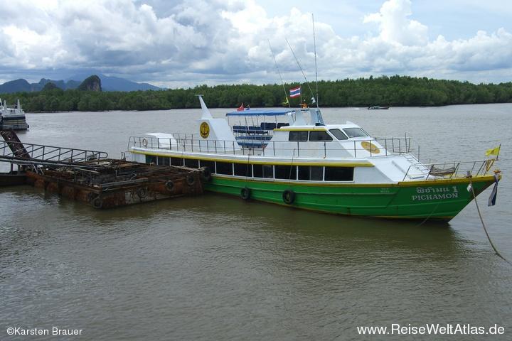 Schiff am Anleger