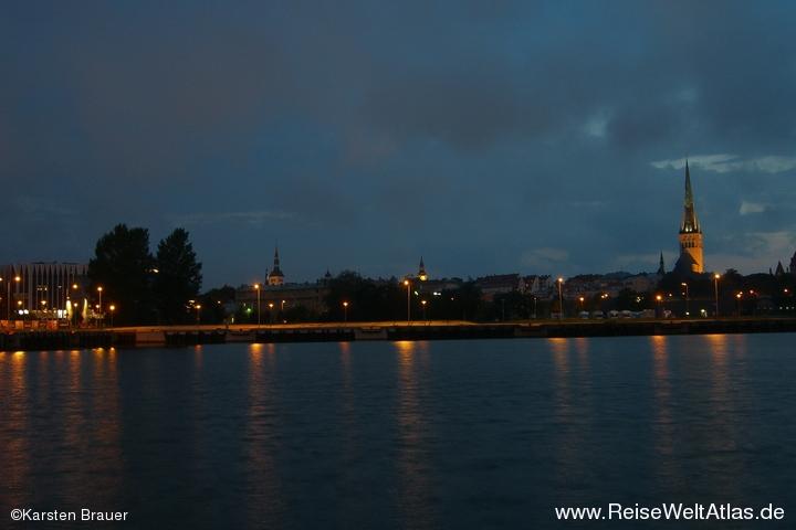 Tallinn bei Nacht
