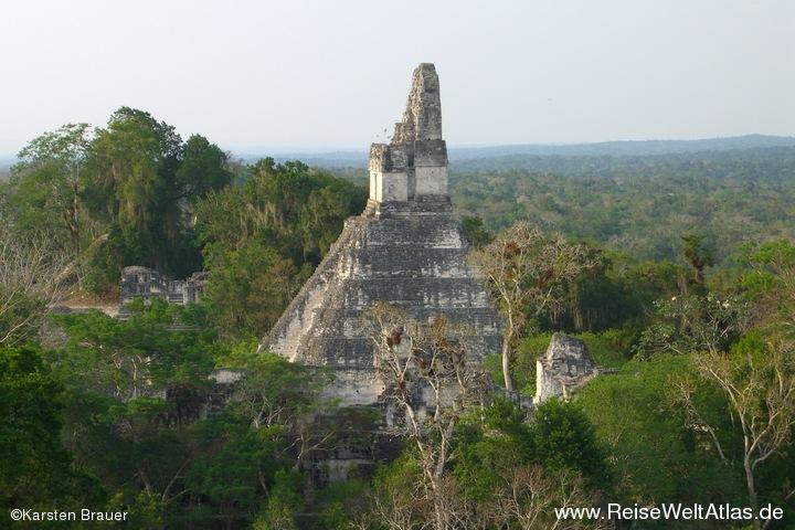 Tempel I aus der Ferne