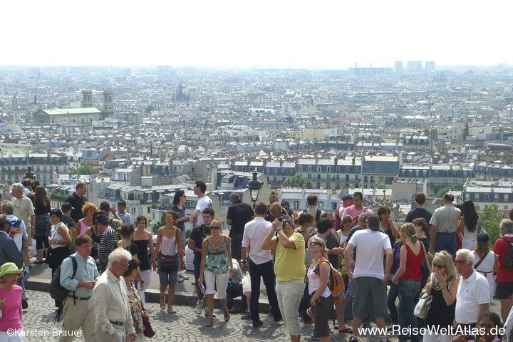 Touristenmassen vor Sacré-Cœur
