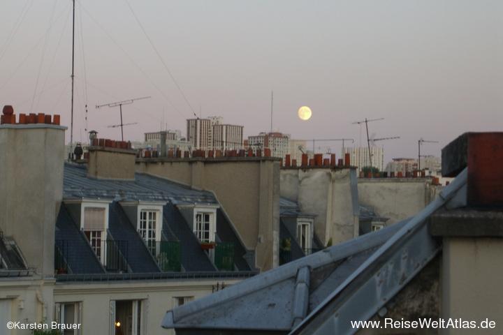 Und der Mond scheint hell