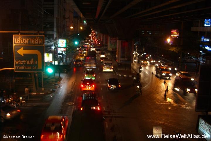 Verkehr zu jeder Tages- und Nachtzeit